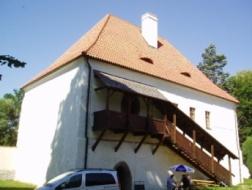 Milevsko: Stavební úpravy budovy Latinské školy v Klášteře