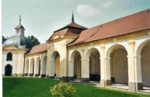 Oprava ambitů kostela Jména P. Marie v Sepekově