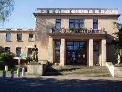 Milevsko: Generální oprava fasády Domu kultury