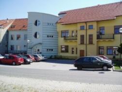 Milevsko: Rekonstrukce budovy FROLL